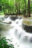Petites cascades à écriture ligne par ligne Photo libre de droits