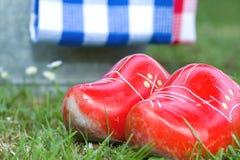 Petites chaussures en bois Images libres de droits