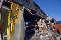 Petites entreprises détruites et maraudées par les patriotes ukrainiens professionnels photos libres de droits