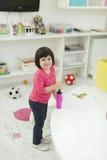 Petites filles dans le jardin d'enfants Photo libre de droits