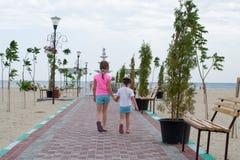 Petites filles sur la plage Photos libres de droits