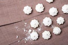 Petites meringues en spirale Photographie stock libre de droits