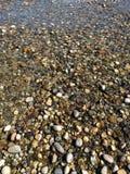 Petites roches de rivière Images libres de droits