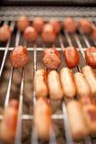 Petites saucisses grillées Image libre de droits