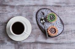 Petites tartelettes de petits fours de gâteaux Photographie stock