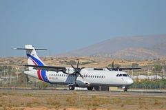 Petites terres d'un avion de passagers Photos libres de droits