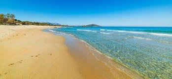 Petites vagues en plage d'Orri image libre de droits