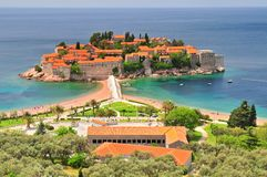 Petits îlot et station de vacances de Sveti Stefan dans Monténégro Balkans image libre de droits