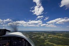 Petits aéronefs décollant de la piste Photographie stock libre de droits