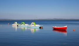 Petits bateaux attendant l'été Image libre de droits