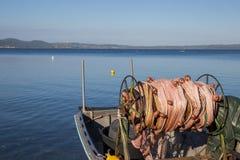 Petits bateaux attendant l'été Images libres de droits