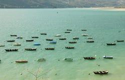 Petits bateaux dans le lac Photographie stock libre de droits