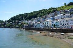Petits bateaux sur la plage, Dartmouth, Devon Images libres de droits