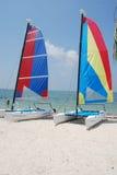 Petits catamarans de navigation Image libre de droits