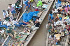Petits commerçants sur l'Amazone Photographie stock libre de droits
