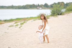Petits frère et soeur Photo stock
