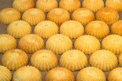 Petits gâteaux cuits au four de pâtisserie Photos stock