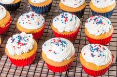 Petits gâteaux décorés pour le quatrième de juillet Photographie stock