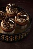 Petits gâteaux délicieux d'Oreo sur le fond foncé Foyer sélectif Images libres de droits
