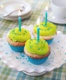 Petits gâteaux d'anniversaire Image libre de droits