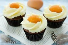 Petits gâteaux d'oeufs au plat de Pâques Image libre de droits