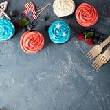 Petits gâteaux de drapeau américain pour le 4ème juillet Images libres de droits