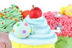 Petits gâteaux doux colorés Image libre de droits
