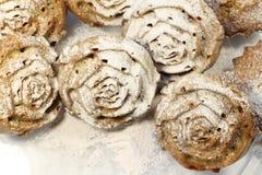 Petits gâteaux en sucre en poudre photos stock