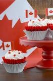 Petits gâteaux heureux de jour de Canada Images libres de droits