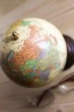 Petits globe et verres Images libres de droits