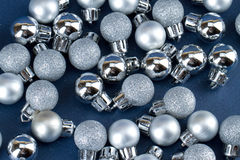 Petits globes de Noël Image stock