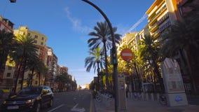Petits groupes de Valencia Spain City Center Church banque de vidéos