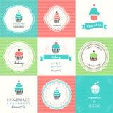 Petits gâteaux et labels et signes de desserts Images stock