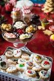 Petits gâteaux, gâteaux, bonbons et sucreries pour Noël Photographie stock