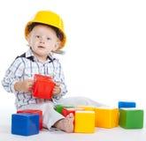 Petits jeux d'ingénieur avec des cubes photos stock