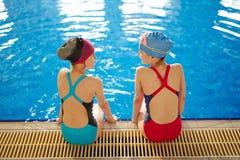Petits nageurs image stock