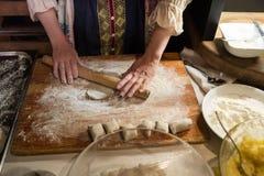 Petits pâtés karéliens de plat national photo libre de droits