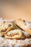 Petits pains avec le raisin sec et les fruits secs photos stock