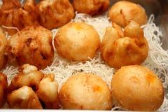 Petits pains cuits à la vapeur frits remplis Image stock