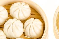 Petits pains cuits à la vapeur par Chinois Image libre de droits