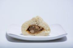 Petits pains cuits à la vapeur par Chinois avec bourrer à l'intérieur Photos libres de droits