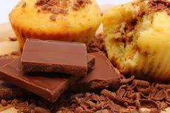 Petits pains cuits au four frais, râpés et partie de chocolat Image stock