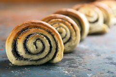 Petits pains cuits au four tordus délicieux Image stock