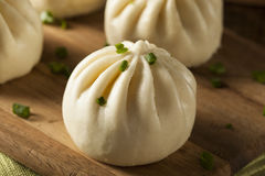 Petits pains cuits à la vapeur d'Asiatique de porc de BBQ Photos stock