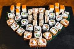 Petits pains délicieux avec les poissons et le fromage Image libre de droits