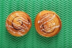 Petits pains de cannelle photos stock