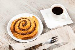 Petits pains de cannelle traditionnels Photo stock