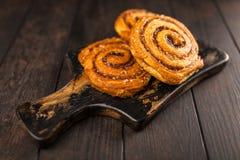 Petits pains de cannelle traditionnels Images libres de droits