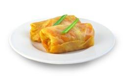 Petits pains de chou bourrés de la viande et des légumes Photo stock