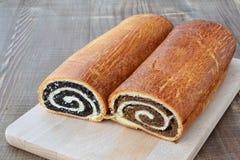 Petits pains de clou et de noix de girofle Images stock